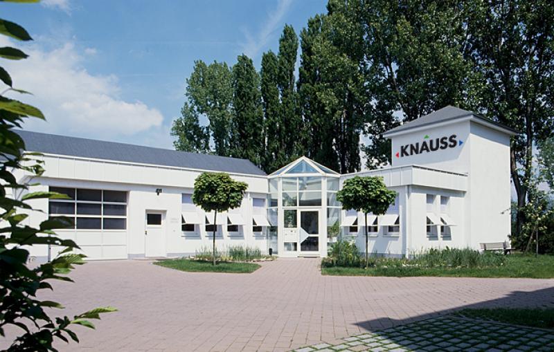 kuechenindustrie.com-knauss-csm_Gebaeude_Knauss_01_5733543fba